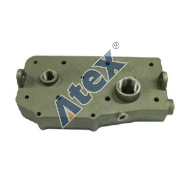 16-67079  Cylinder head upper